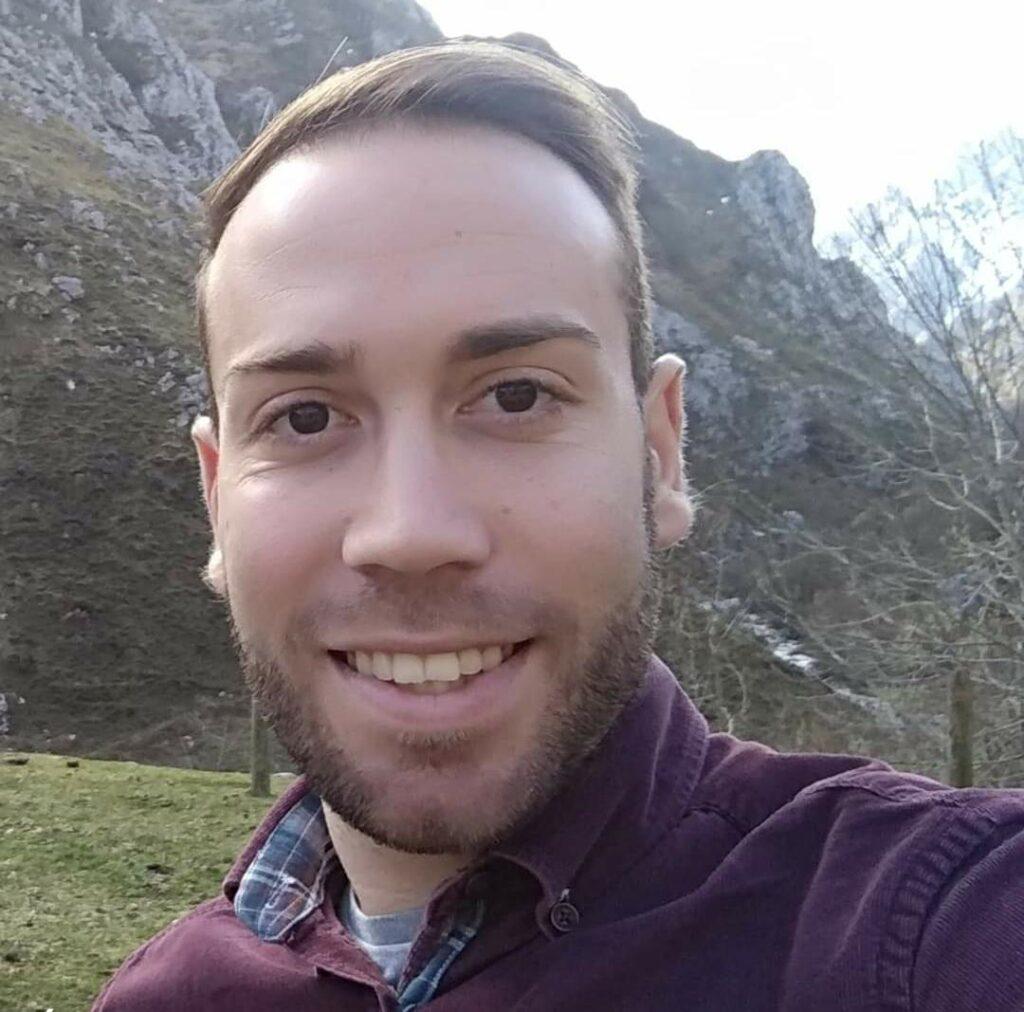 Óscar Requena Montes
